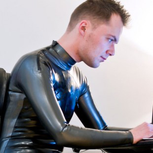 SLDN in shoulder zip cycle suit from Latex 101