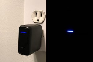Anker PowerPort Speed 1 LED, with and without lights