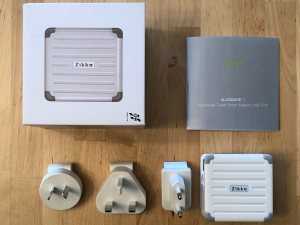 Zikko eLuggage L charger box and contents.