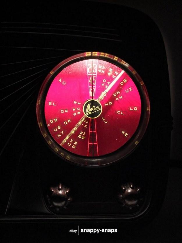 Mullard-Tube-Radio-Bakelite-2