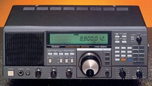 The Yaesu FRG-8800 (Source: Universal Radio)