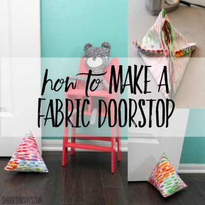 How to make a doorstop from fabric! This is a super easy sewing tutorial for beginners, all it takes is a few straight lines and maybe half an hour. Customize the fabric to your decor or use it as a project for kids to sew themselves!