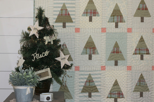 patchwork christmas tree quilt