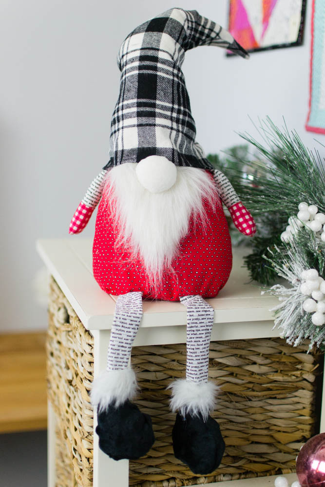 free christmas gnome stuffed toy pattern