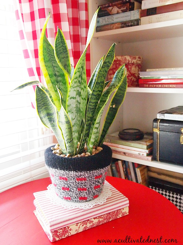 upcycled sweater pot