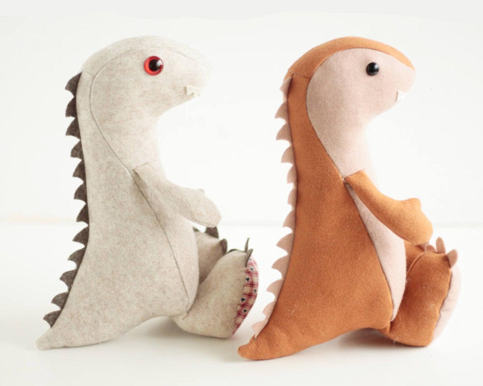 dinosaur stuffie pattern