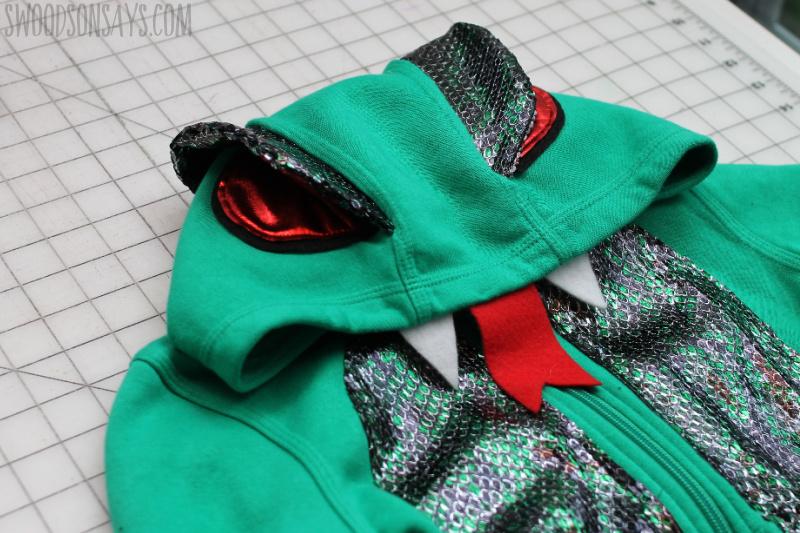 how to make a snake hoodie