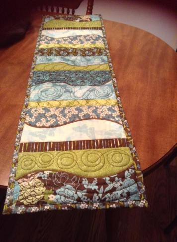 0106 Sereita Blair-Seamans freeform table runner