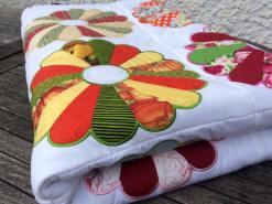 Sawora Dresden Plate Quilt