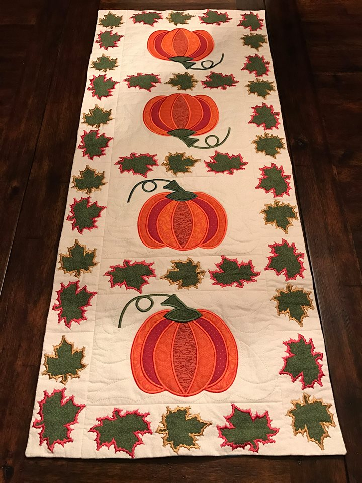 thanksgiving machine embroidery design in the hoop