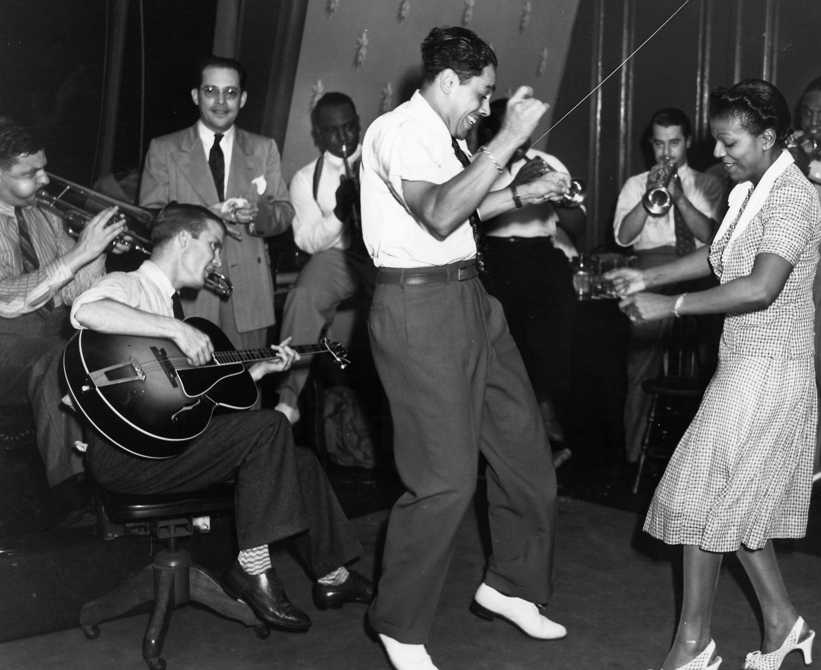 Hustle Hard Girl Wallpaper 댄서들을 위해 연주하는 밴드들을 위한 노하우 By Bobby White Lindyexplorer