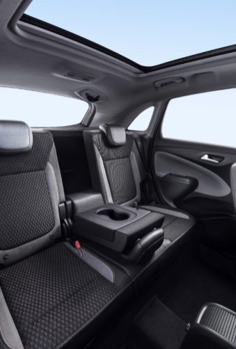 Crossland X Rear Interior