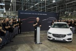 production-start-for-opel-flagship-the-new-insignia_22