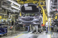 production-start-for-opel-flagship-the-new-insignia_7