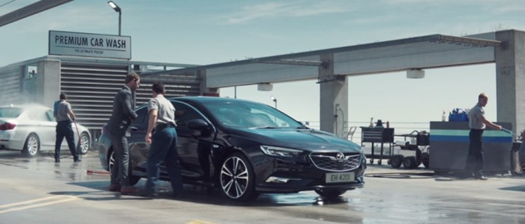 Vauxhall-Insignia-Campaign-307150