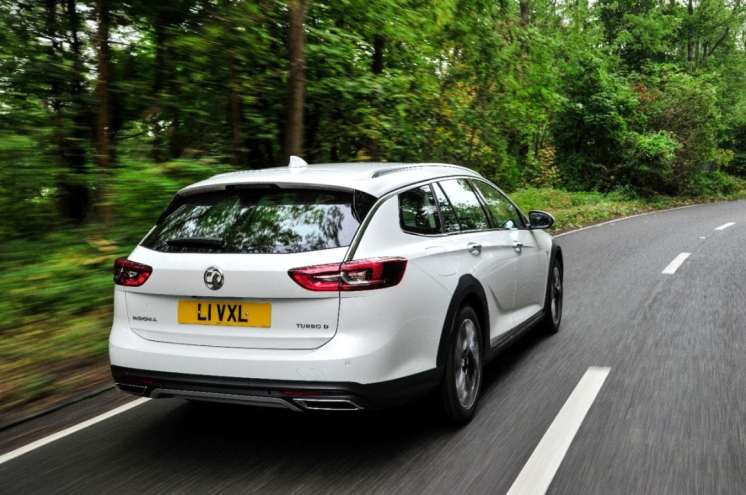 Vauxhall's all-new Insignia Country Tourer has won the Crossover Estate category at 4x4 magazine's 2018 awards.