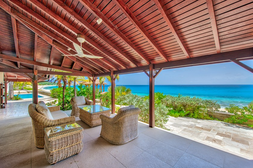 11-BlueBeach-OutdoorSeating