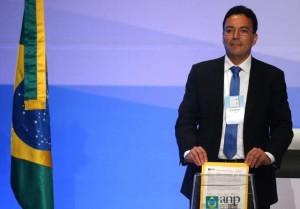 2017-10-27T161246Z_2_LYNXMPED9Q1LT_RTROPTP_3_BRAZIL-OIL-AUCTION