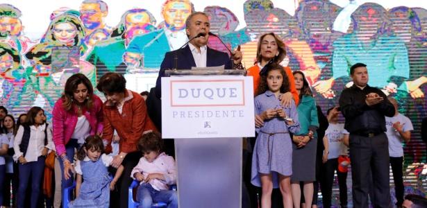 presidente-eleito-da-colombia-ivan-duque-discursa-para-apoiadores-apos-vitoria-1529284891554_615x300