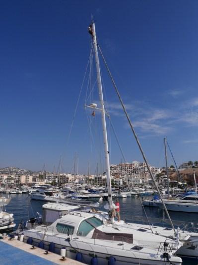 Anbau unserer neuen Rollreffanlage von der Firma UK Sails