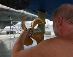 Propeller anbringen
