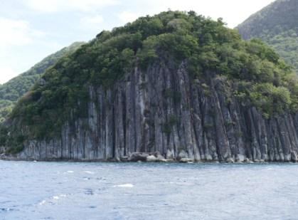 Basaltsäulen der Halbinsel Pain de sucre (Zuckerhut)