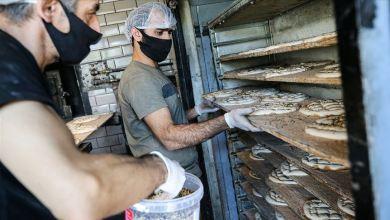 """صورة خبز رمضان.. الأفران التركية تحضر """"بيدا"""" لليوم الأول"""