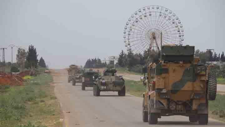 دورية مشتركة روسية تركية على الطريق M4