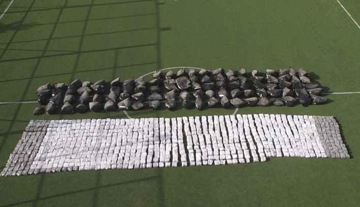 لبنان - السلطات اللبنانية:تحبطت عملية ضخمة لتهريب الحشيش المخدرات إلى تركيا.