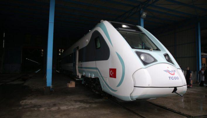 21776386 750x430 1 - تركيا..تطلق أول قطار كهربائي محلي الصنع..(صورة)