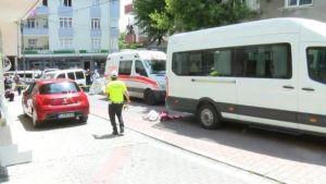طفل تركي  من العمر 3 سنوات لقى مصـرعه تحت عجلات إحدى السيارات