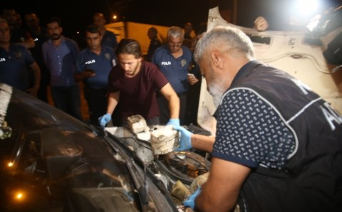 شاب سوري يدعس شرطيا تركيا بسيارته محملة بالمخدرات