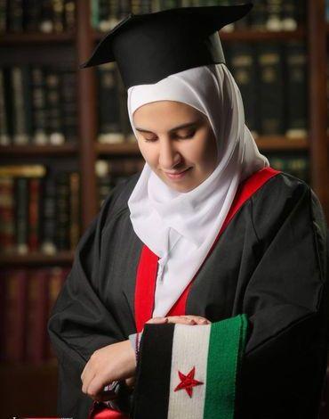 .jpg?resize=370%2C470&ssl=1 - طالبة السورية سارة أحمد عطري في الأردن تحصل على المرتبة الأولى وتحرج نظام الأسد