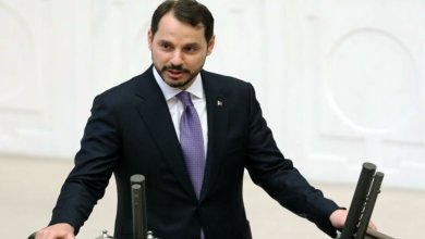 صورة وزير يكشف خطة تركيا الاقتصادية بعد ارتفاع الدولار مقابل الليرة – Mada Post