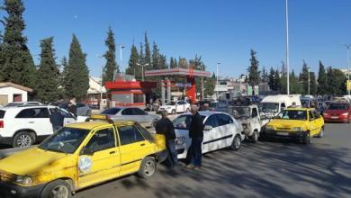 Photo of على وقع أزمة الوقود.. مشاجرة على الهواء مباشرة بين إعلامية موالية وعنصر تابع لقوات الأسد