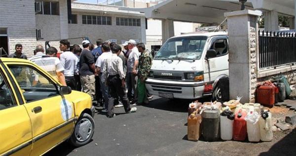 15345063446 - أزمة وقود خانقة في اللاذقية.. وطوابير مرعبة تنتظر دورها