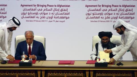 """1599828529 6772523 5417 3050 10 5 - الحكومة الأفغانية و""""طالبان"""" على طاولة المفاوضات مجدداً"""