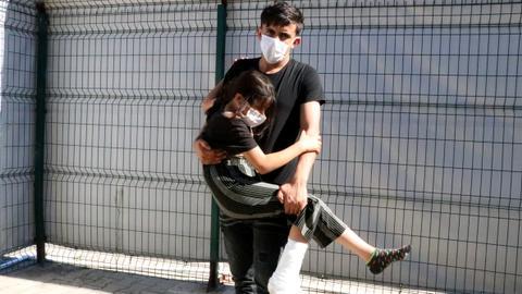 1599994679 8834891 1188 669 4 68 - تركيا تسعف طفلة سورية أُصيبت برصاص الأمن اليوناني