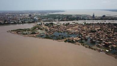 صورة منسوب مياه النيل في السودان يبدأ الانخفاض بعد الفيضانات المدمّرة
