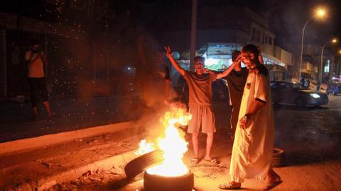 1600111757 8847965 4307 2426 21 237 - ليبيا.. ما دلالات استقالة حكومة الشرق الليبي لاحتجاجات شعبية؟