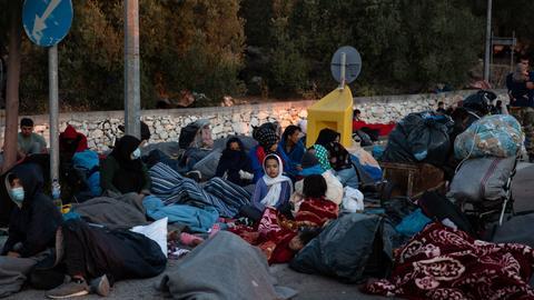 1600272332 8806883 3464 1951 17 190 - اليونان.. معاناة اللاجئين تتواصل إثر حريق مخيم موريا