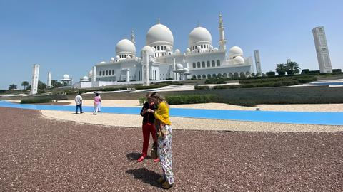 1600798753 8927895 3825 2154 8 377 - لتنشيط السياحة.. أبو ظبي تلغي رخصة شراء الكحوليات بما يشمل المسلمين