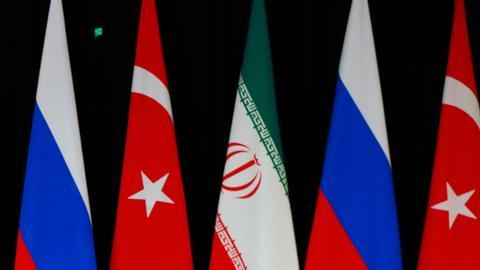 روسيا وتركيا وإيران تواصل التعاون بشأن عمل اللجنة الدستورية السورية