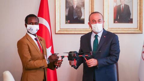 1601309582 9015200 1583 891 7 201 - بتوصية من جاوش أوغلو.. الموهوب الصومالي غوليد عبدي يستكمل تعليمه بتركيا
