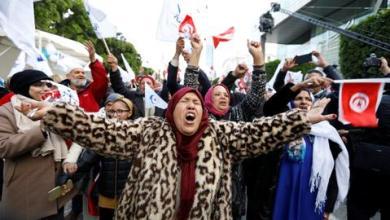 صورة ضحايا الاغتصاب والتعذيب دون تعويض.. مسار العدالة الانتقالية يُحتضر في تونس