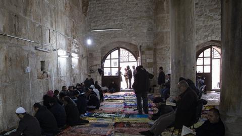 """2748316 2017 1136 1 158 - بحجة """"كورونا"""".. إسرائيل تبحث إغلاق المسجد الأقصى"""