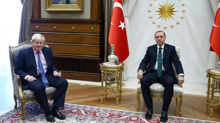 أردوغان وجونسون بحثا هاتفياً سبل تعزيز العلاقات الثنائية وتطورات شرقي المتوسط وقضايا إقليمية