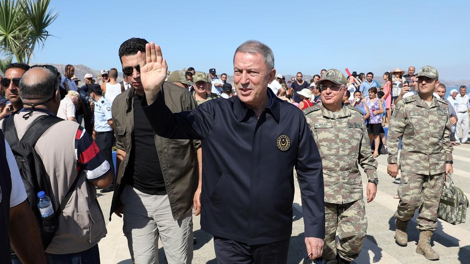زار وزير الدفاع التركي خلوصي أقار وقادة القوات الثلاث منطقة كاش التابعة لمحافظة أنطاليا المقابلة لجزيرة ميس