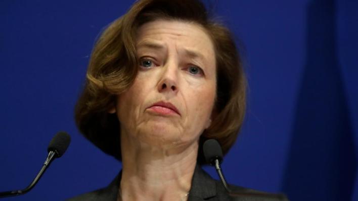وزيرة الدفاع الفرنسية فلورانس بارلي في أثناء مشاركتها في مؤتمر صحفي إثر مقتل 13 جندياً فرنسياً في مالي أواخر 2019.