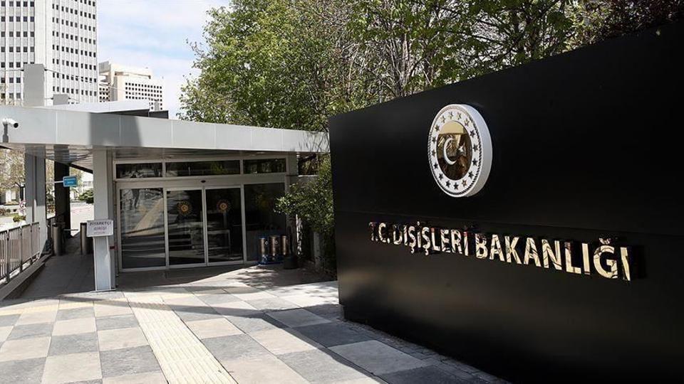 وزارة الخارجية التركية تؤكد أن سبب مهاجمة ماكرون لتركيا هو إحباط الأخيرة